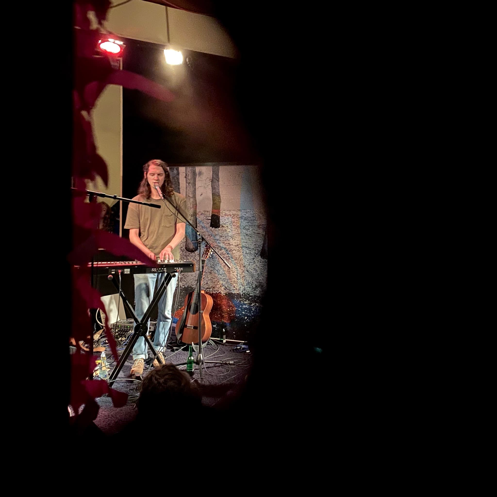 Thijs From I Am Oak playing the Piano at NUN