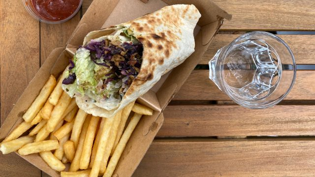 Greek Wrap mit Pommes